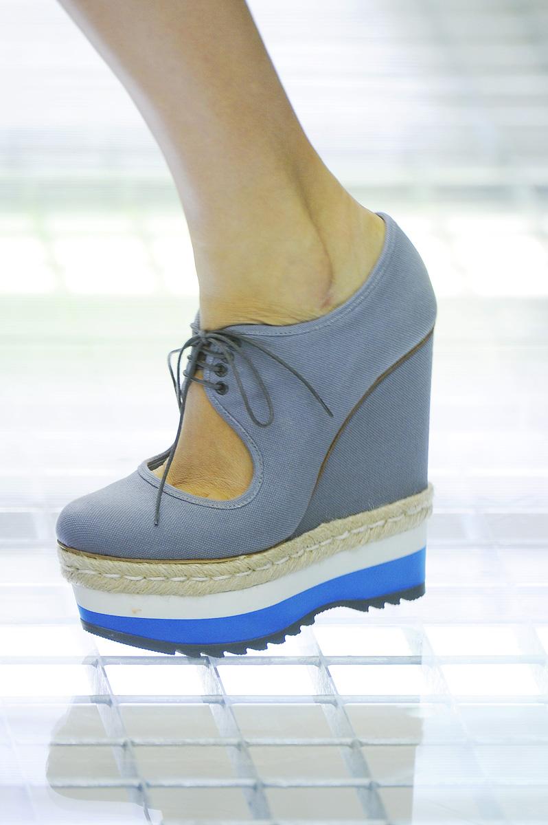 modnaya-obuv-vesna-leto-2011-2